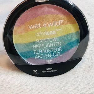 ✨NWT!✨WetNWild Rainbow Highlighter